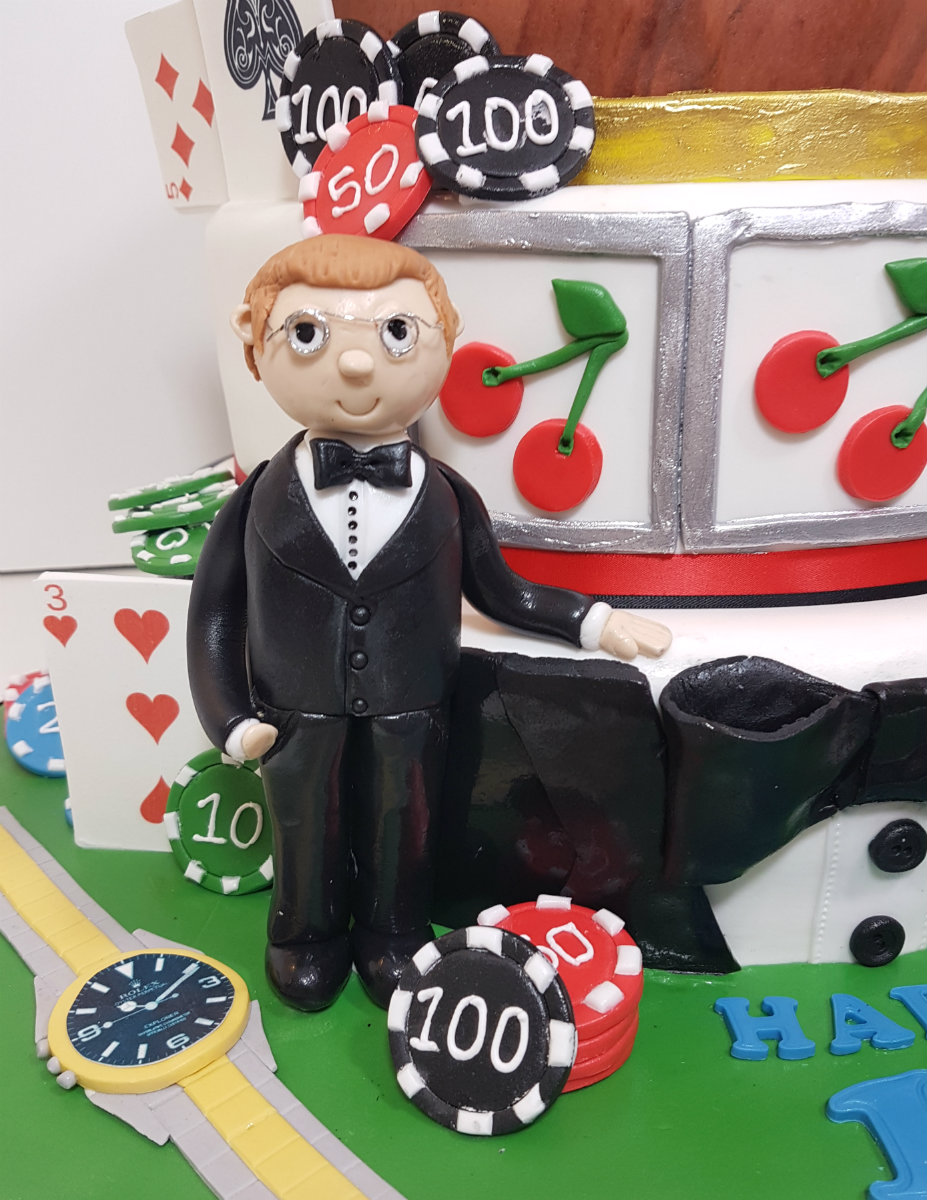 Tuxedo man at roulette table cake