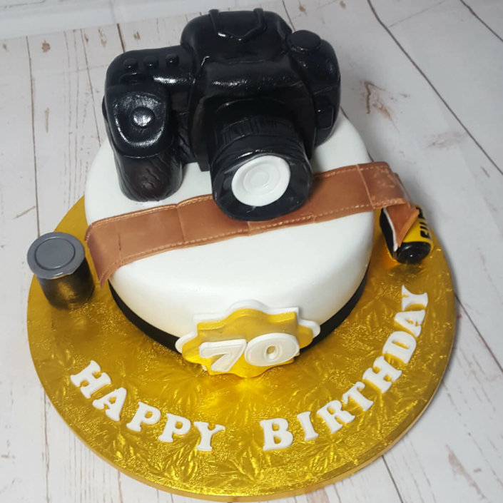 DSLR camera sculpted novelty cake - Tamworth