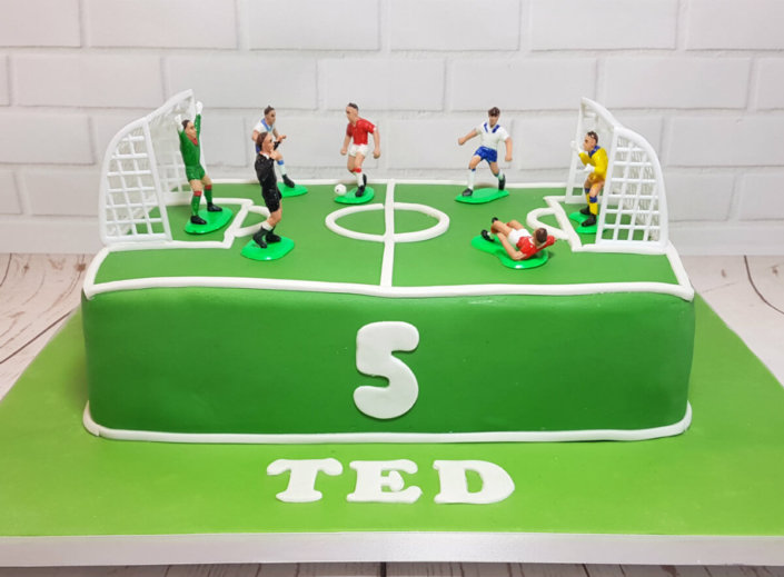 Football pitch and players cake - tamworth sutton coldfield