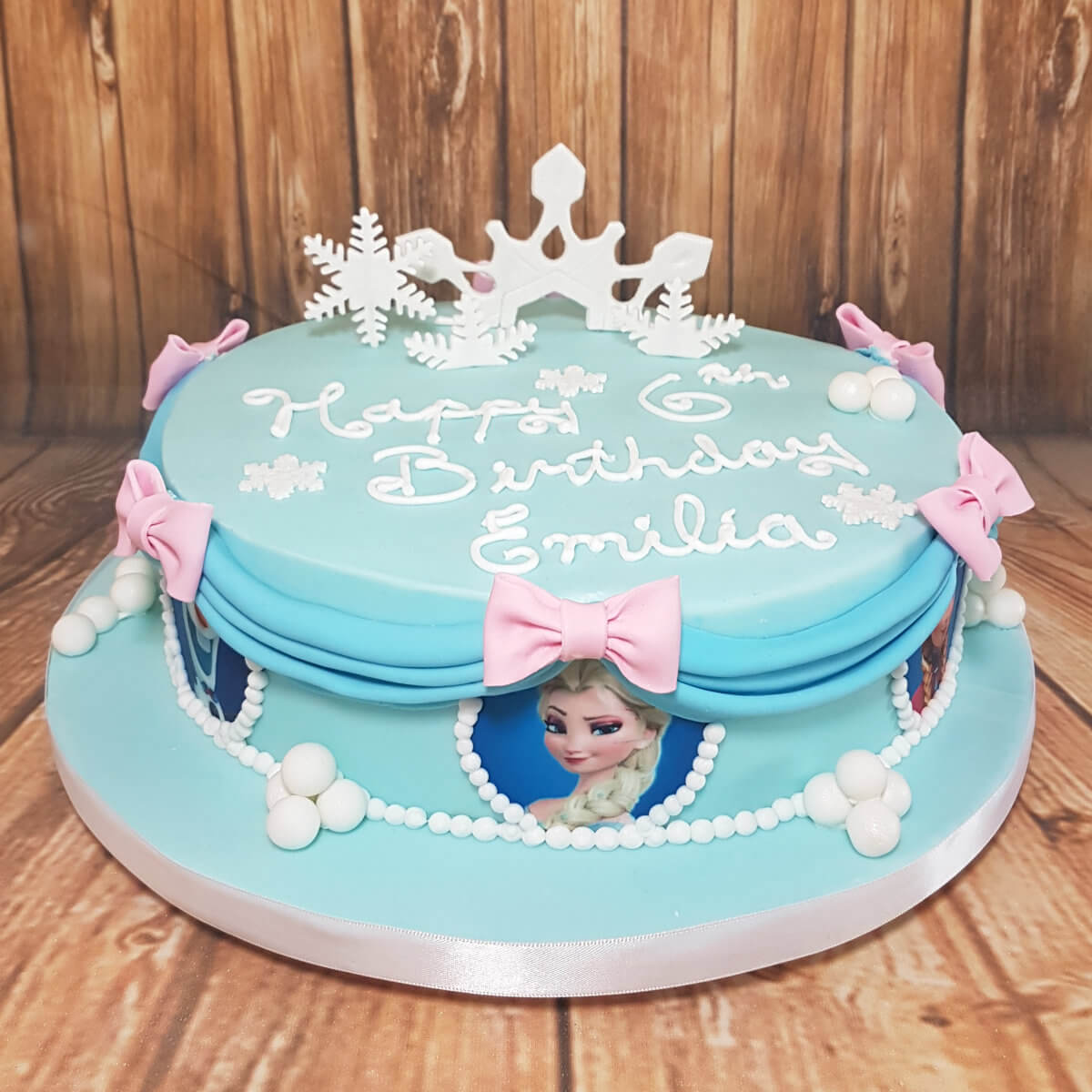 Frozen theme children's birthday cake - Tamworth