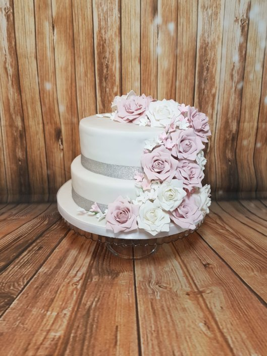 Vintage rose ducky pink wedding cake & cupcakes - Tamworth