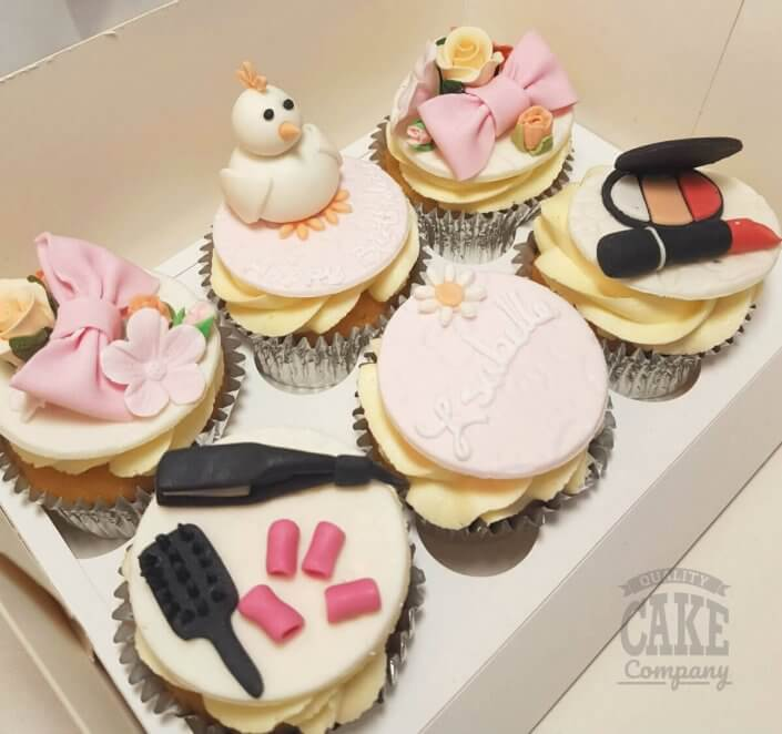 Hen, makeup & bow theme cupcakes - Tamworth