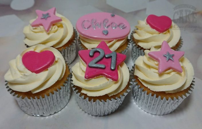 cupcakes with pink hearts stars - tamworth