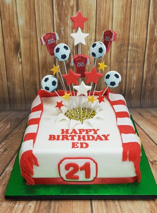 Tamworth fc football club star spray cake with scarf - tamworth