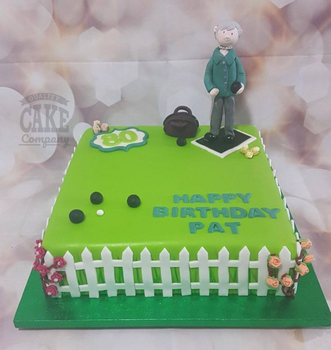 lady playing bowls theme cake - tamworth