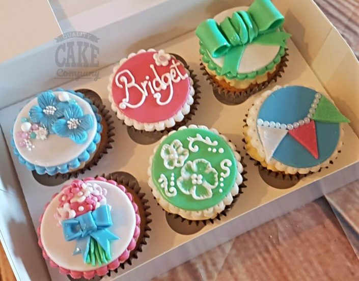 flower and bow cupcakes - tamworth