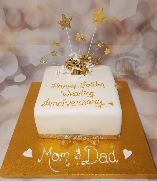 golden 50th anniversary star spray cake - tamworth