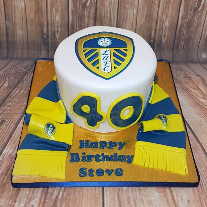 leed united fan cake with scarf - tamworth