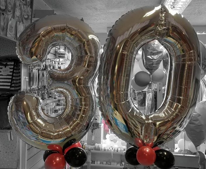 silver giant number balloons for 30th birthday - tamworth