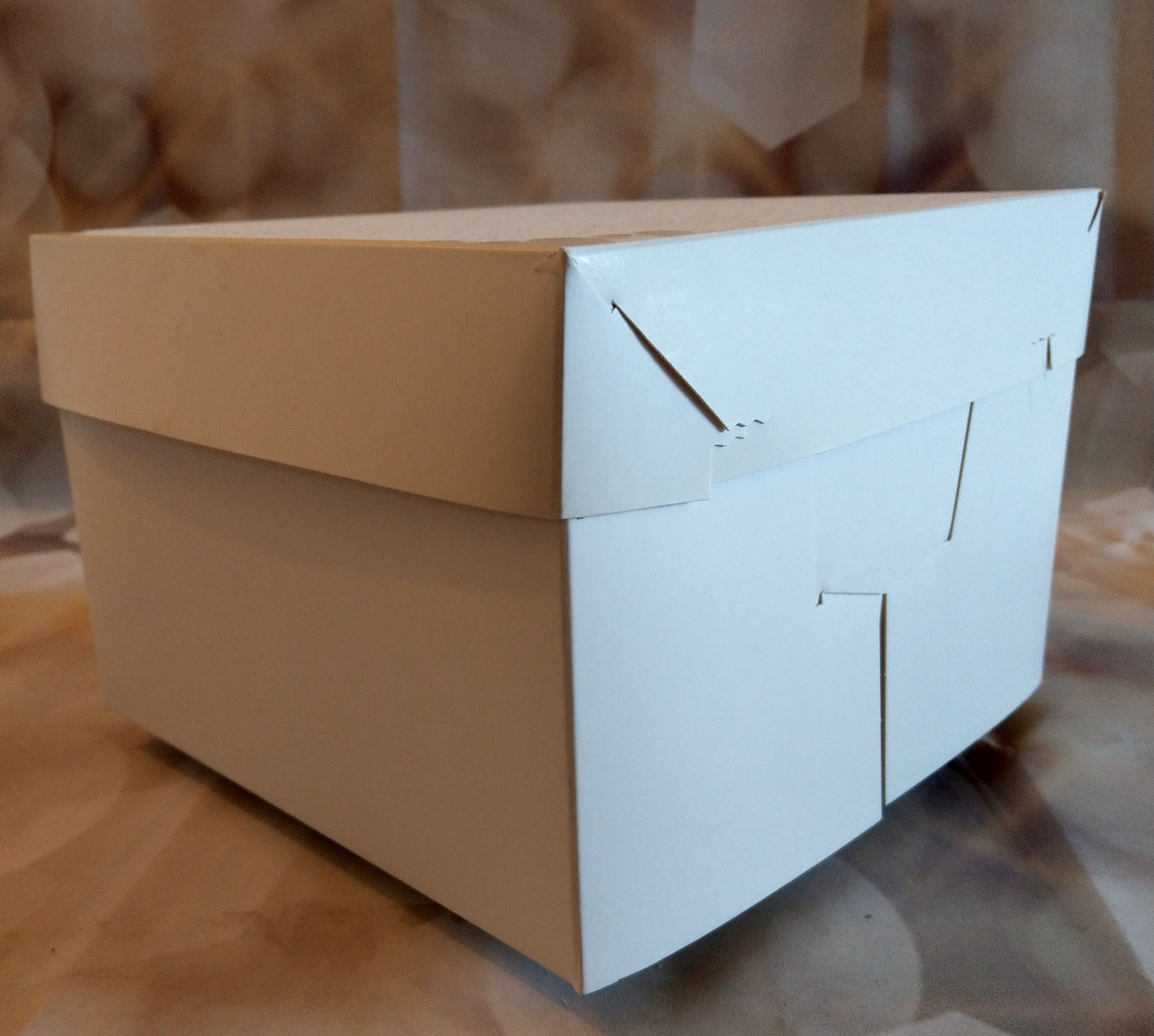 cake boxes available in lots of sizes - quality cake company tamworth