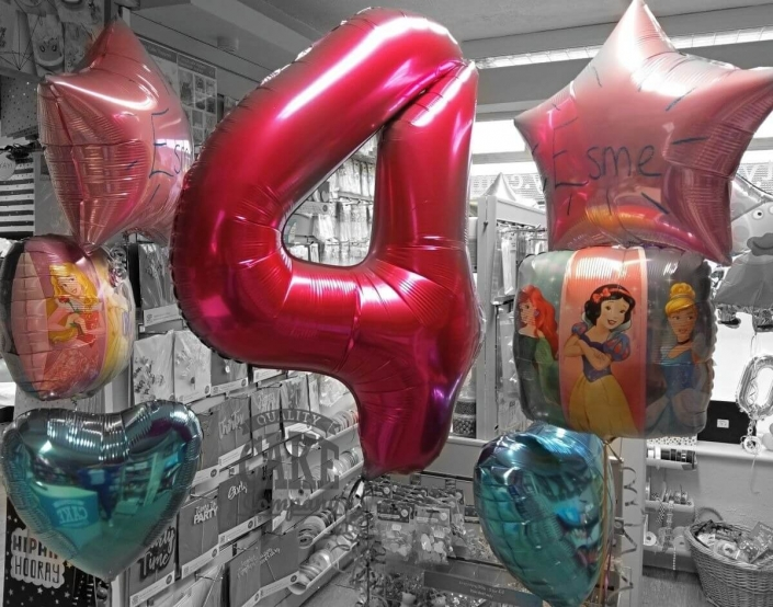 Large number and matching bunches of foil balloons - Tamworth
