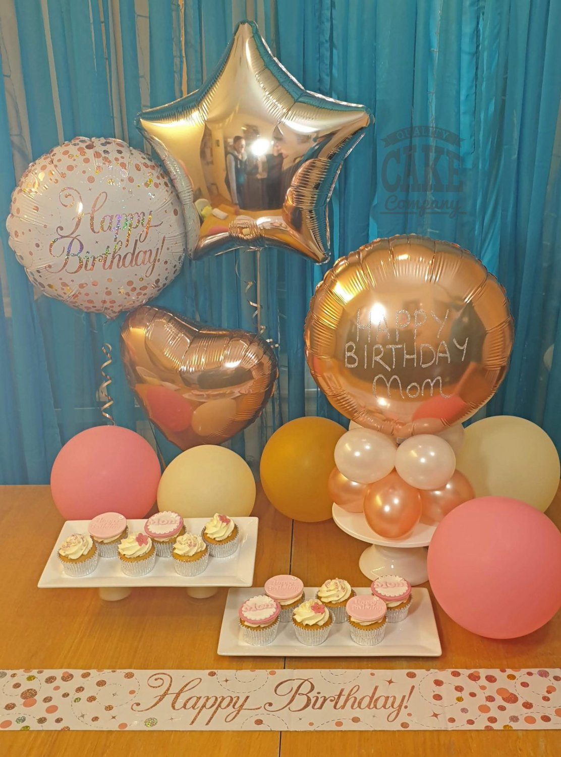 Home party cupcake and balloon package - delivery in Tamworth